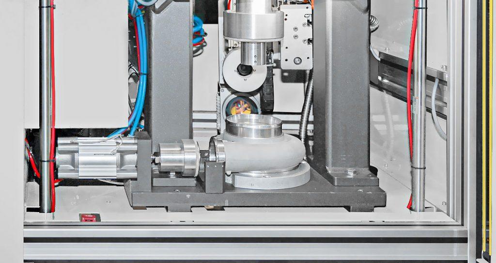 flypress03-1024x543 Лазерная маркировка и проверка герметичности в одной машине
