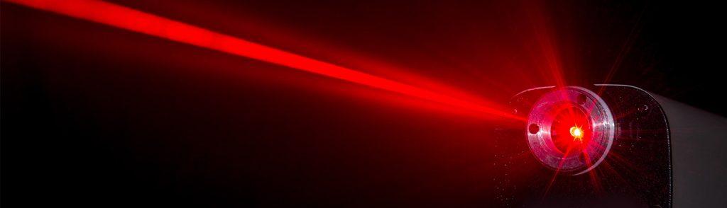 raggio-lasr-articolo-1024x294 История лазера: от Эйнштейна до Гордона Гулда