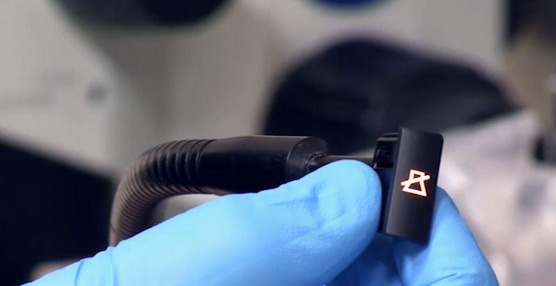 marcatura-laser-day-night Automotive